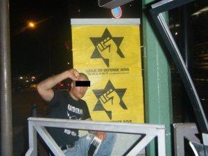 מפגין של הליגה להגנת יהודים