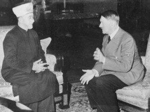 המופתי והצורר. האידיאולוגיה הפלסטינית לא מכירה בזכות קיומם של היהודים.