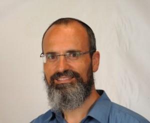 עמנואל שילה, עורך 'בשבע'. מנותק