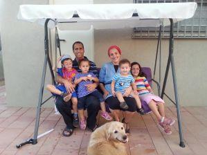 יורם בבאי ומשפחתו