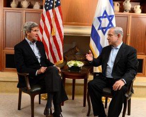 """רה""""מ בנימין נתניהו ומזכיר המדינה האמריקני ג'ון קרי, בחודש ספטמבר האחרון. צילום: מתי שטרן"""