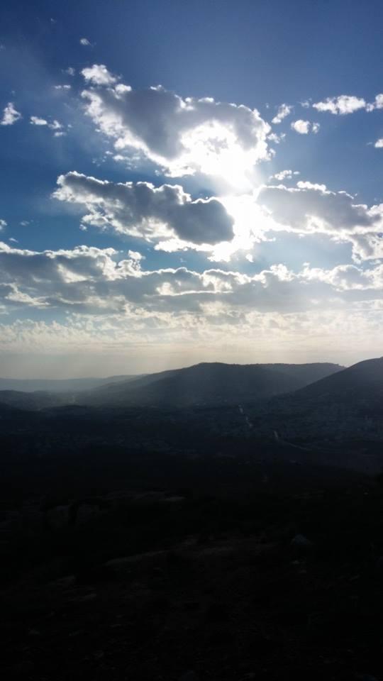 הנוף מאלון מורה אל עבר שכם. נוף מלא זהות