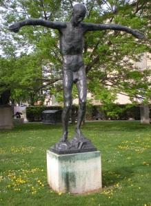 האדם האחרון פסל של הפסל האוסטרי אנטון האנרק  anton hanak  או שמא זה 'היהודי האחרון'?