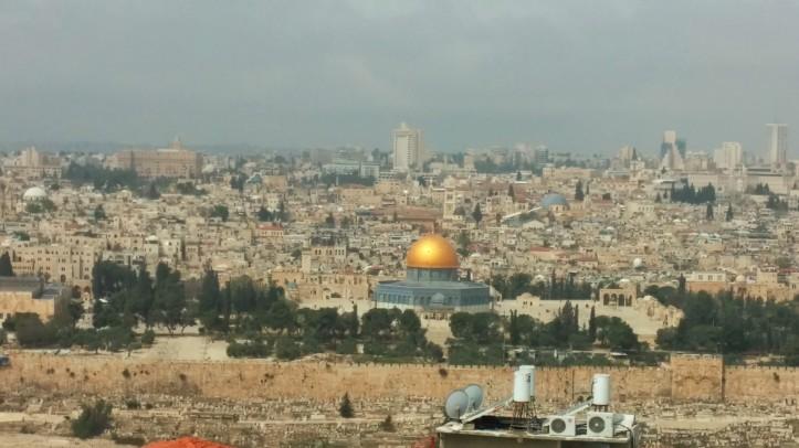 ירושלים של מעלה מתנגשת בירושלים של מטה