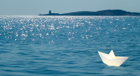 paper_boat_by_tiveery-d6o4ii3